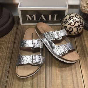 🔗 New! Madden Girl Footbed Sandals